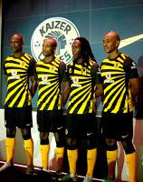 http://www.footballkitnews.com/2419/nike-kaizer-chiefs-kit-11-12-home/